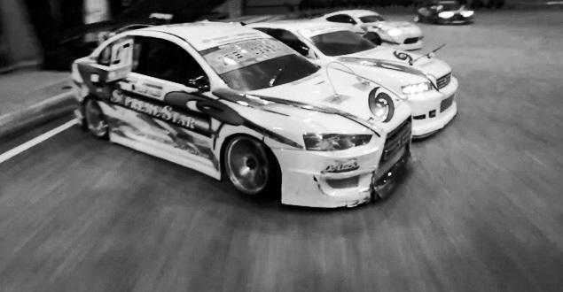 ドリフトカーとツーリングカー