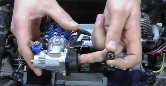 ラジコンエンジンのベアリング交換
