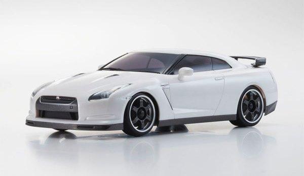 京商「ミニッツ AWD MA-020S 日産GTR」をレビュー