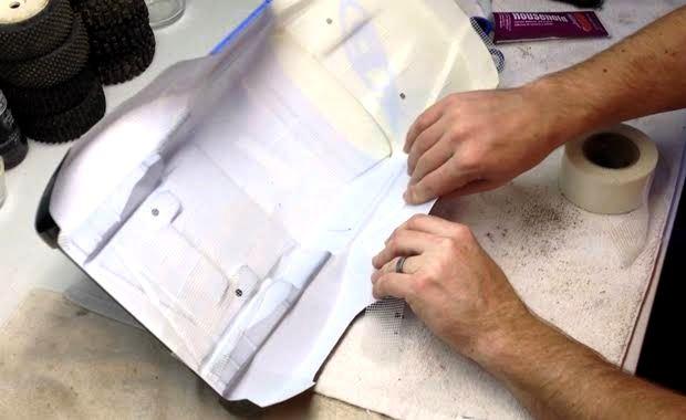 RCカーの割れたボディの補修や補強方法・やり方【シューグー】