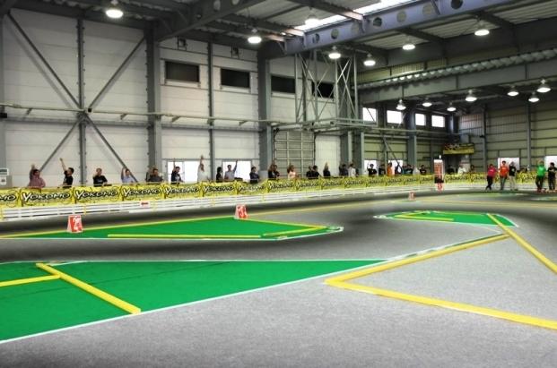 【谷田部アリーナ】世界最大級の電動RCカーサーキット
